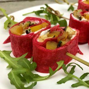 hapjesbuffet - bietentortilla met geitenkaas en gegrilde groenten